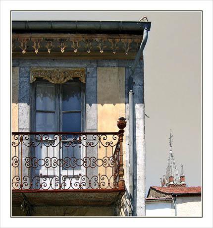 BLOG-Img_0846 Balcon église Vic + redressement + effet couleur