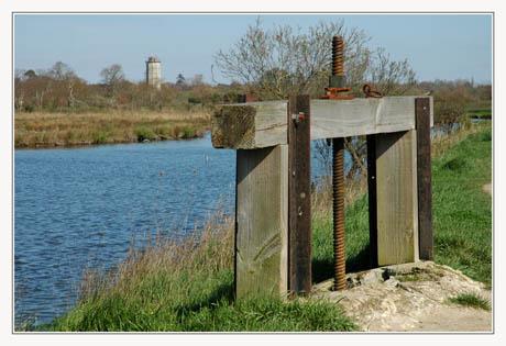 BLOG-DSC_1717-écluse et chateau d'eau Audenge