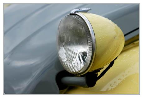 BLOG-DSC_1831-phare 2CV gris-jaune
