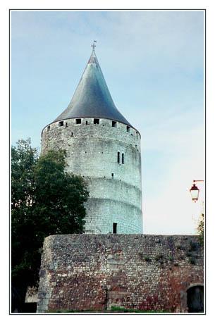 blog2-01-img3591-tour-chateaudun.jpg