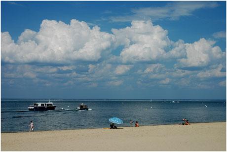 BLOG-DSC_2507-parasol et bateaux