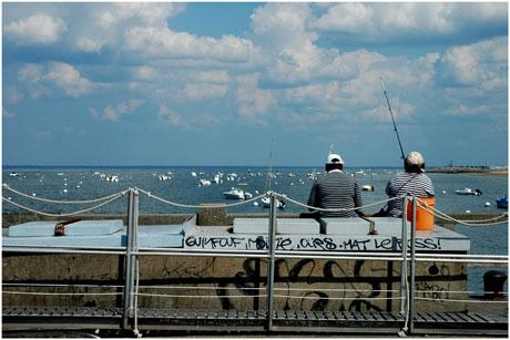 BLOG-DSC_2530-pêcheuses Eyrac face port de plaisance