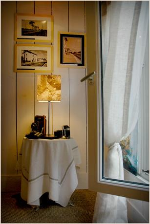 BLOG-DSC_2752-fenêtre guéridon, lampe appareils