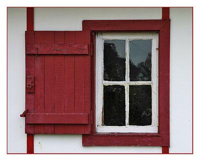 BLOG-DSC_2807-fenêtre rouge les Jacquets