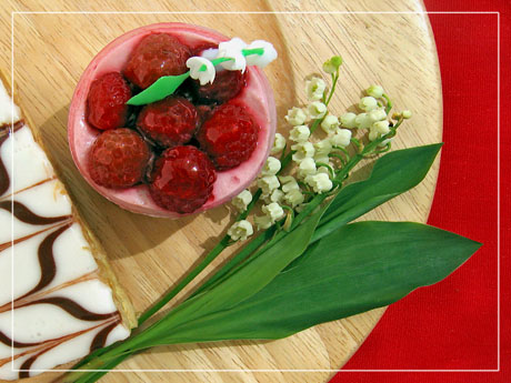 BLOG-IMG_0143-rec-gâteaux et muguet