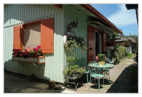 BLOG-DSC_2976-façade verte et orange l'Herbe