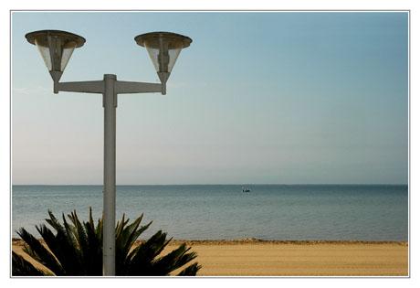 BLOG-DSC_3016-réverbère et plage