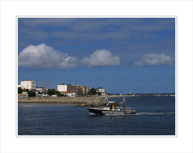BLOG-IMG_0254-bateau police du port d'Arcachon