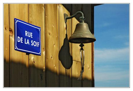 BLOG-DSC_4893-cloche rue de la soif Piraillan