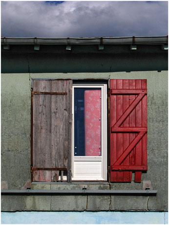 BLOG-IMG_0707-fenêtre volet rouge