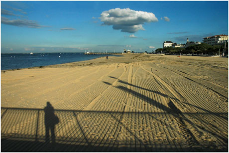 BLOG-DSC_5501-ombre jetée Thiers, plage, nuage