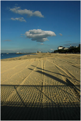 BLOG-DSC_5502-ombre jetée Thiers, plage, nuage