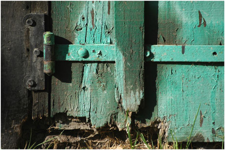 BLOG-DSC_5586-bas de porte verte