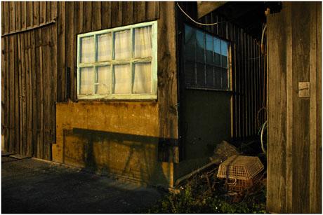 BLOG-DSC_5672-fenêtre et paniers cabane 120