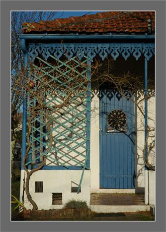BLOG-DSC_6066-porche bleu et fléchettes