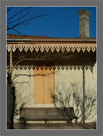 BLOG-DSC_6069-ombres façade Andernos