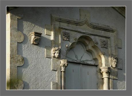 BLOG-DSC_6074-mascarons St Jacques Andernos