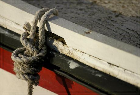 BLOG-DSC_6224-vieille corde coque rouge&blanc
