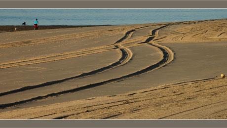 BLOG-DSC_6766-traces sur plage Péreire