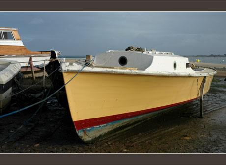 BLOG-DSC_6799-pinasse jaune chantier Aiguillon