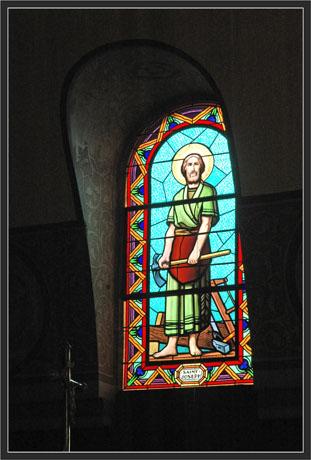 BLOG-DSC_7046-vitrail St JosephbND passes