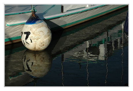 BLOG-DSC_7498-bouée bateau vert blanc