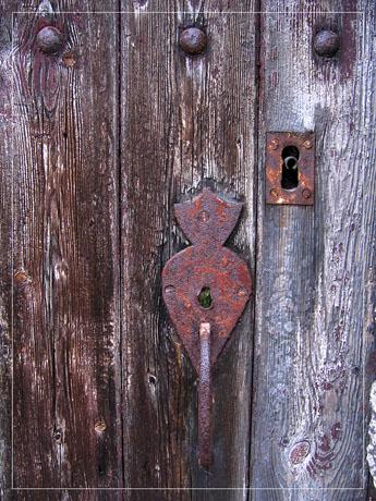 BLOG-IMG_1227-porte cloutée