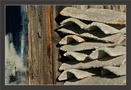 BLOG-DSC_8343-peinture cabane et tuiles chaulées