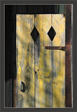 BLOG-DSC_8419-porte jaune Larros