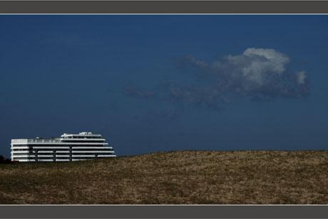 BLOG-DSC_8516-immeuble paquebot derrière dune