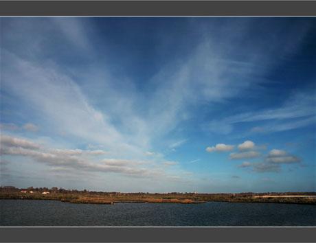 BLOG-DSC_8545-nuages sur Graveyron et port Audenge