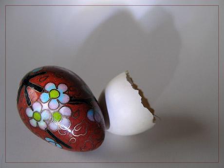 BLOG-IMG_1288-petit oeuf décoré et coquille