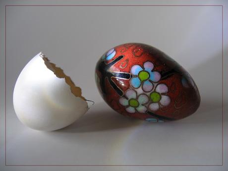 BLOG-IMG_1289-petit oeuf décoré et coquille