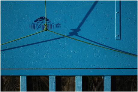 BLOG-DSC_5946-volet bleu à poulie et  tchanquées