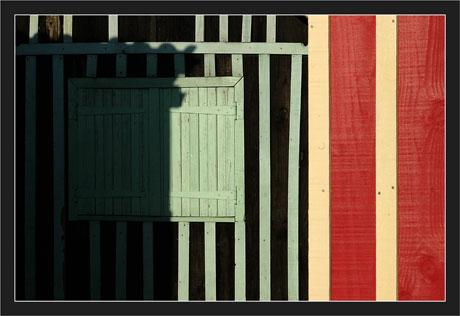 BLOG-DSC_7199-enfilade cabanes rouge et verte