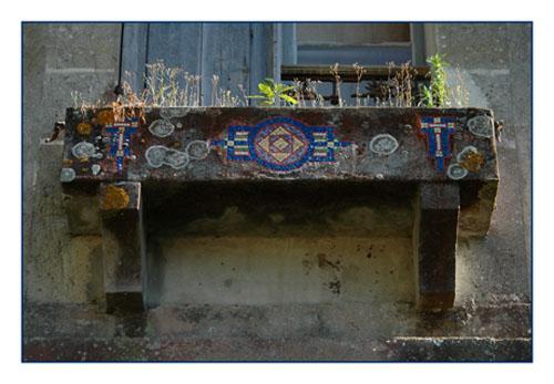 BLOG-DSC_0425-jardinière mosaiques château Certes