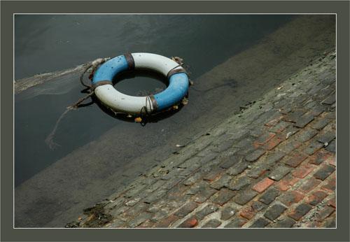 BLOG-DSC_0732-bouée port Canal