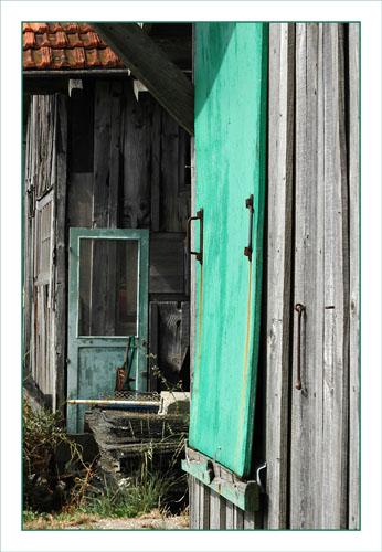BLOG-DSC_0849-volet vert et vieille porte Larros plein Ouest