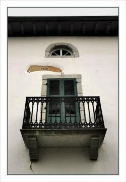 BLOG-DSC_0912-balcon et persiennes vertes 1750