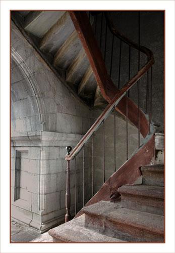BLOG-DSC_0919-escalier clocher église Aïnhoa