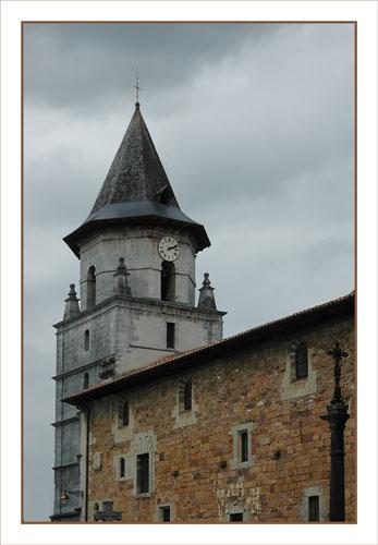 BLOG-DSC_0927-clocher église Aïnhoa