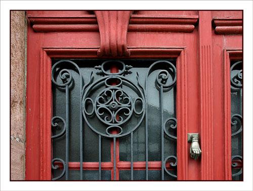 BLOG-DSC_0954-porte rouge fer forgé Aïnhoa R