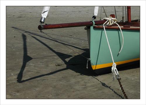 BLOG-DSC_1091-petit voilier et son ombre