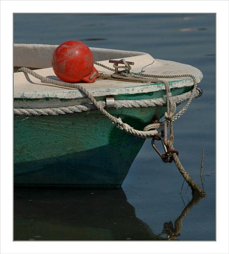 BLOG-DSC_1276-barque verte bouée rouge Arès