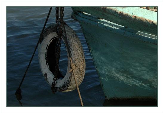 BLOG-DSC_1381-proue et pneu bateau vert