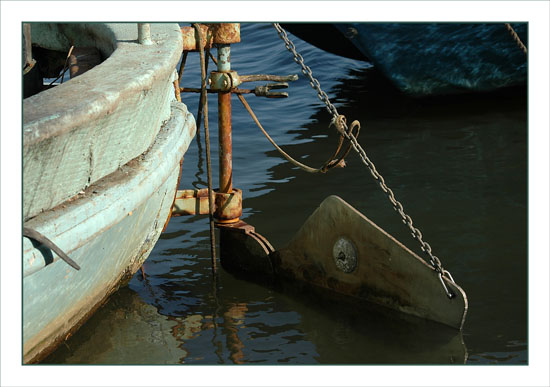 BLOG-DSC_1404-gouvernail bateau vert