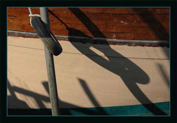 BLOG-DSC_1485-ombres ponton la Teste sur coque