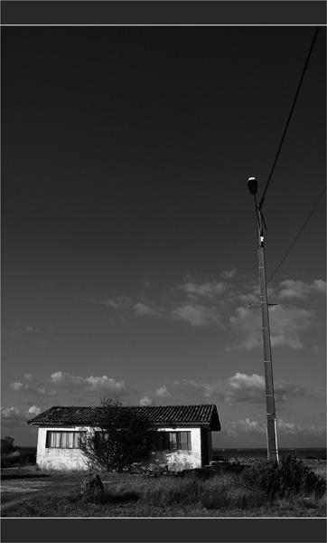 BLOG-DSC_1717-réverbère cabane Meyran Est N&B