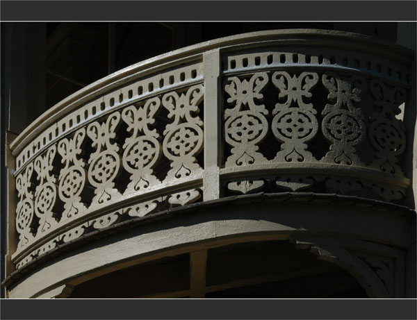 BLOG-DSC_1963-balcon bois villaToledo ville hiver Arcachon