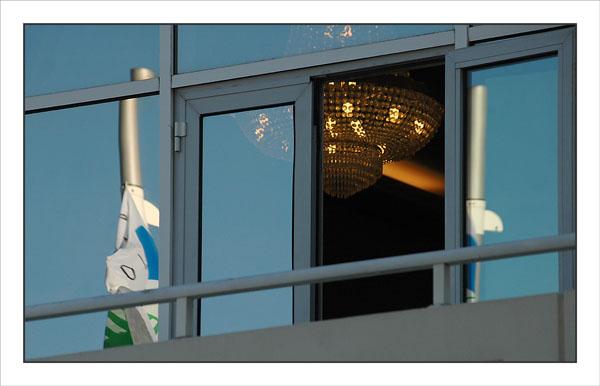BLOG-DSC_2250-lustre palais des congrès et reflets